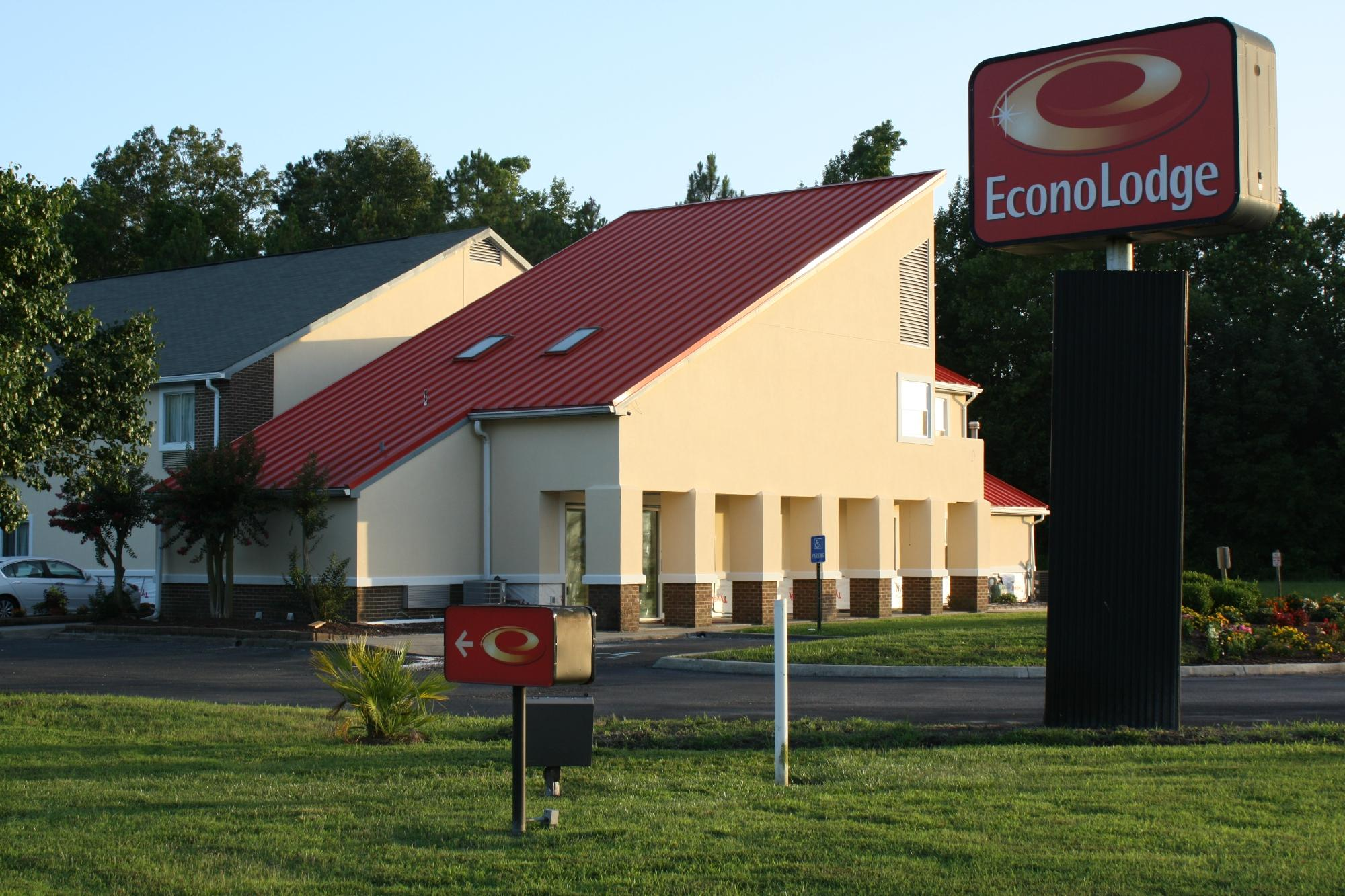 Econo Lodge Inn & Suites Carrollton Smithfield