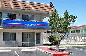 ‪Motel 6 Pittsburg‬