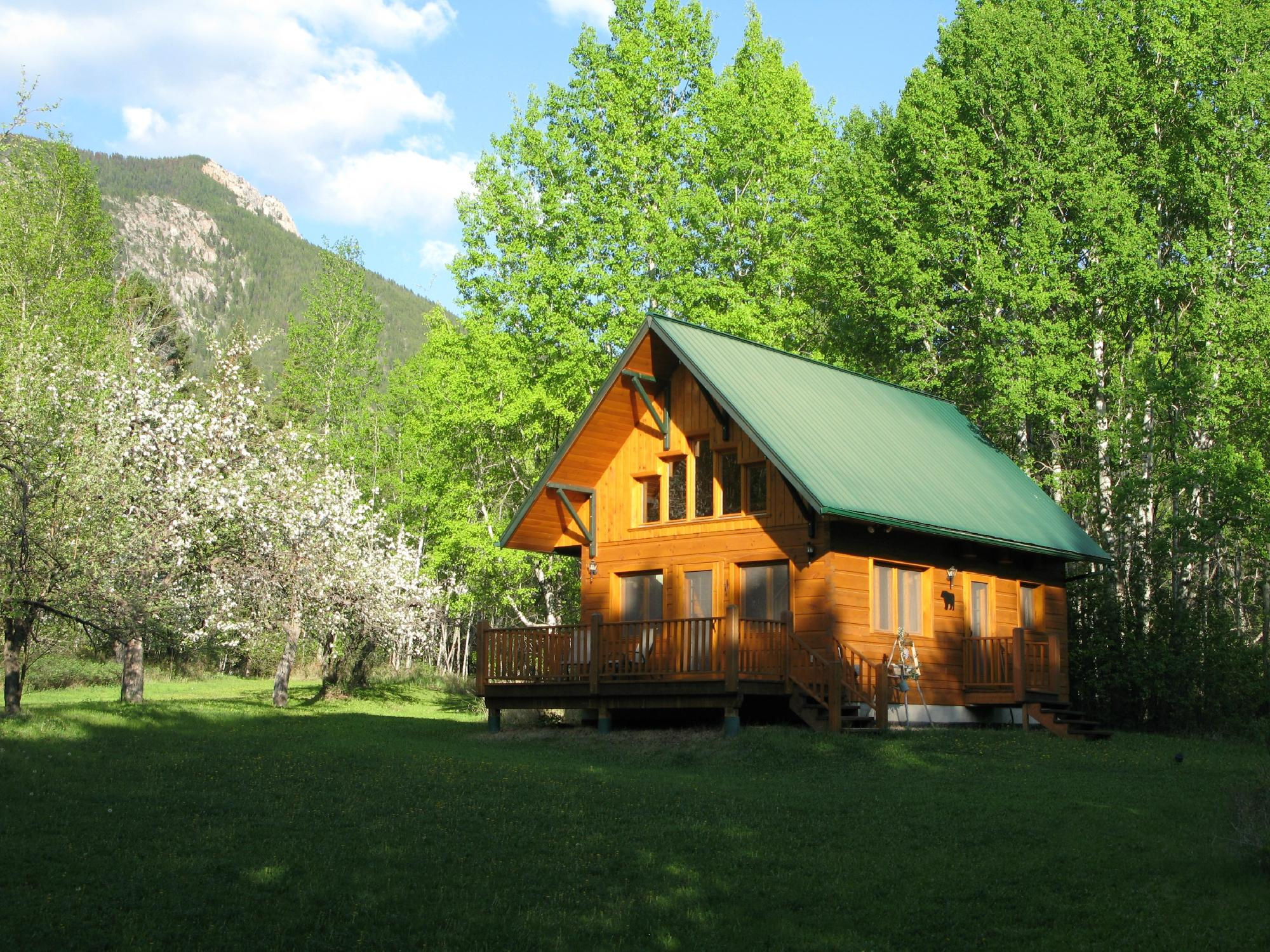 Windermere Creek Bed and Breakfast Cabins