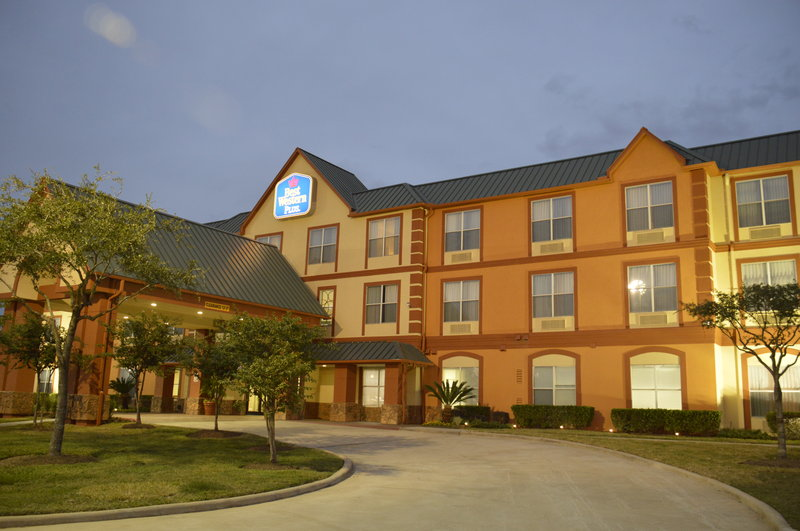 BEST WESTERN PLUS Hobby Airport Inn & Suites