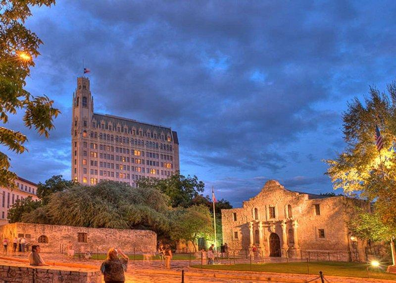 The Emily Morgan San Antonio - a DoubleTree by Hilton Hotel