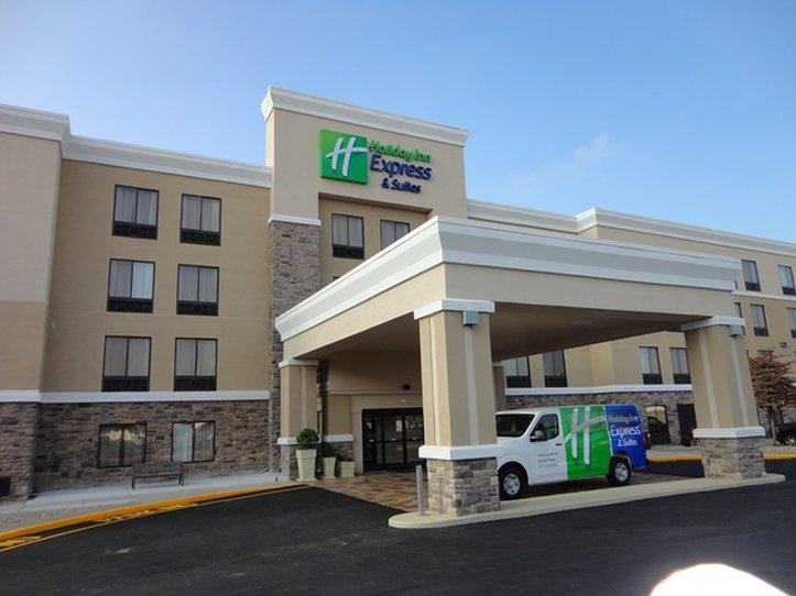 ‪Holiday Inn Express Hotel & Suites Indianapolis W - Airport Area‬