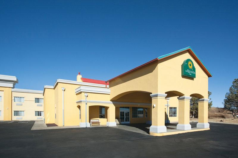 ‪La Quinta Inn and Suites Santa Rosa‬