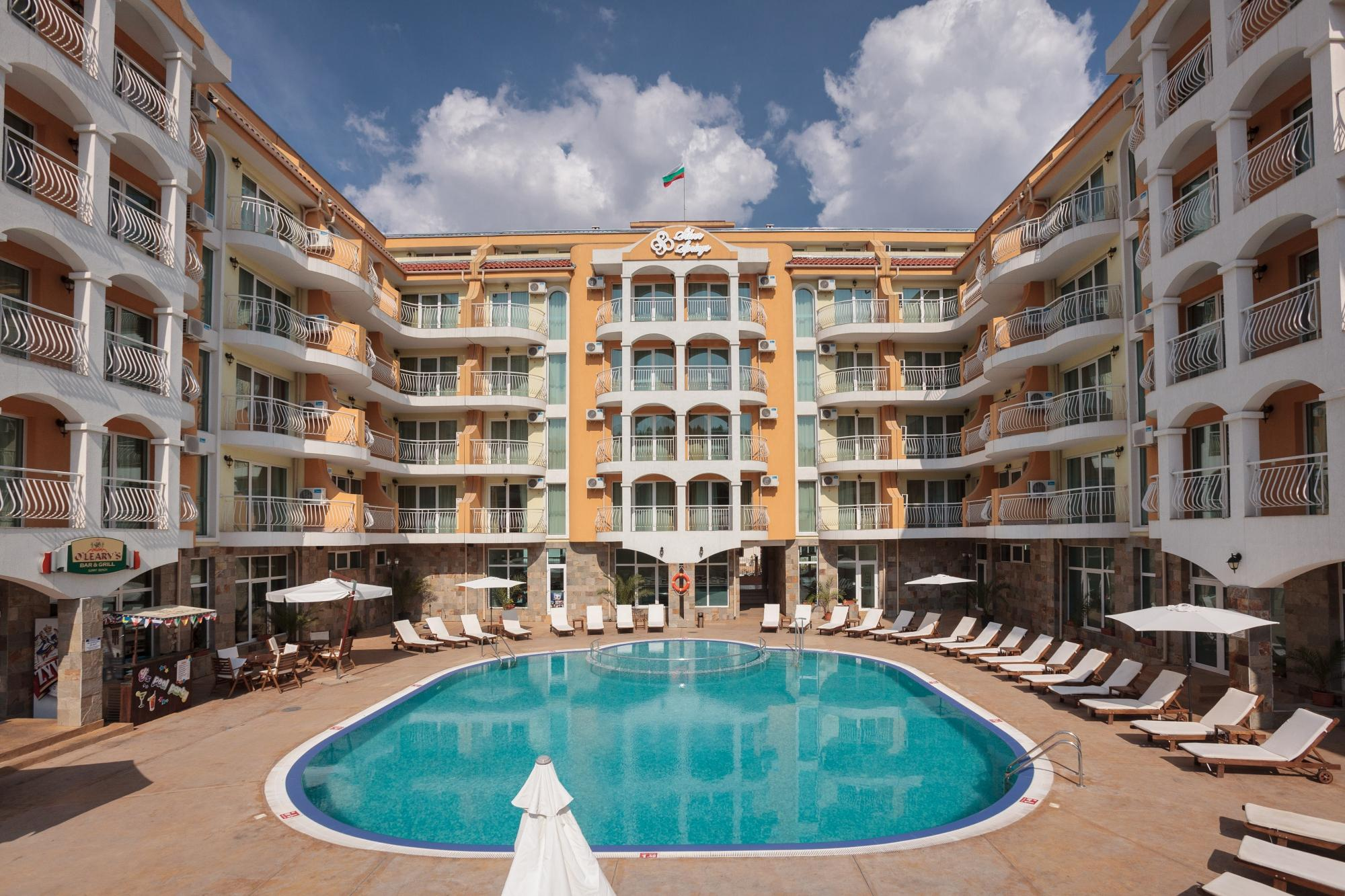 Silver Springs Apartments