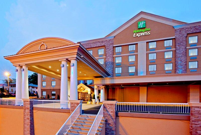 ‪Holiday Inn Express North Bergen - Lincoln Tunnel‬