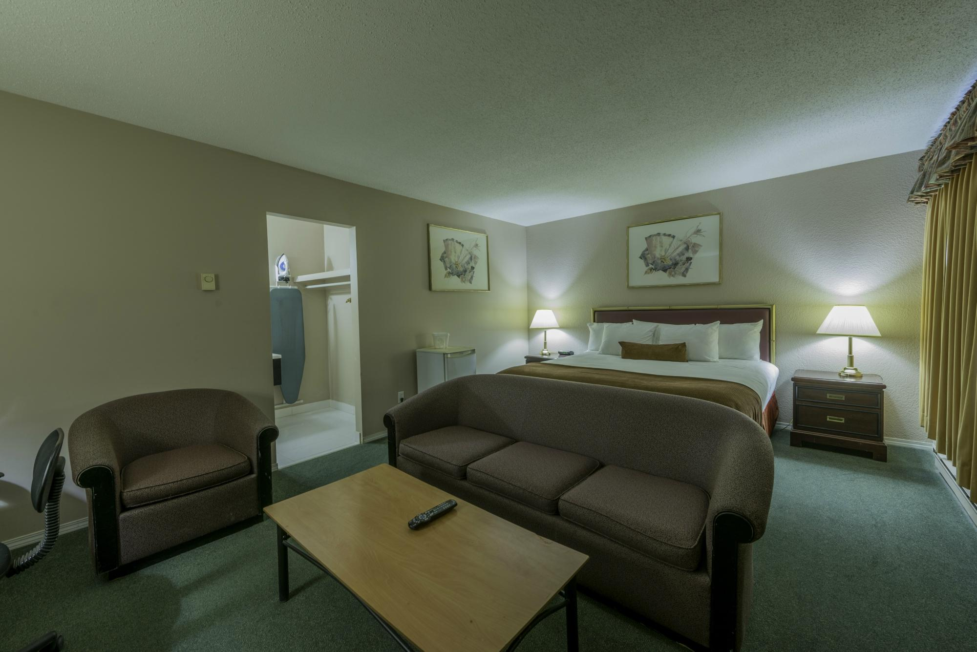 Howard Johnson Inn Downtown Kamloops