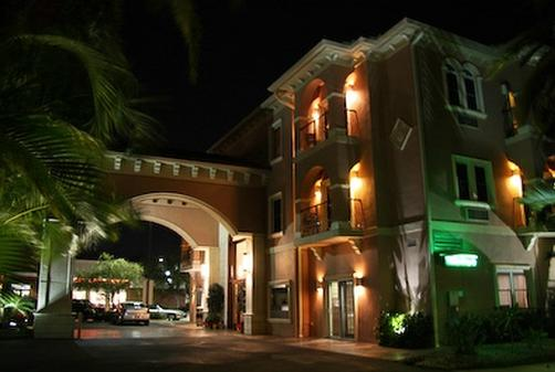 Tahitian Inn Hotel Cafe & Spa
