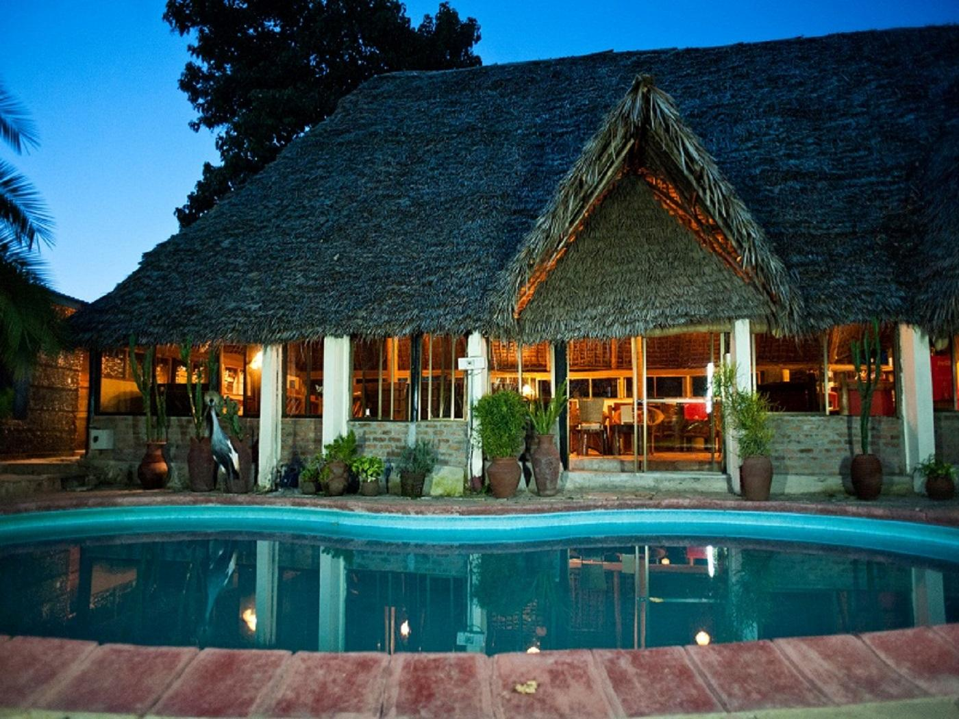 L'Oasis Lodge and Annexe