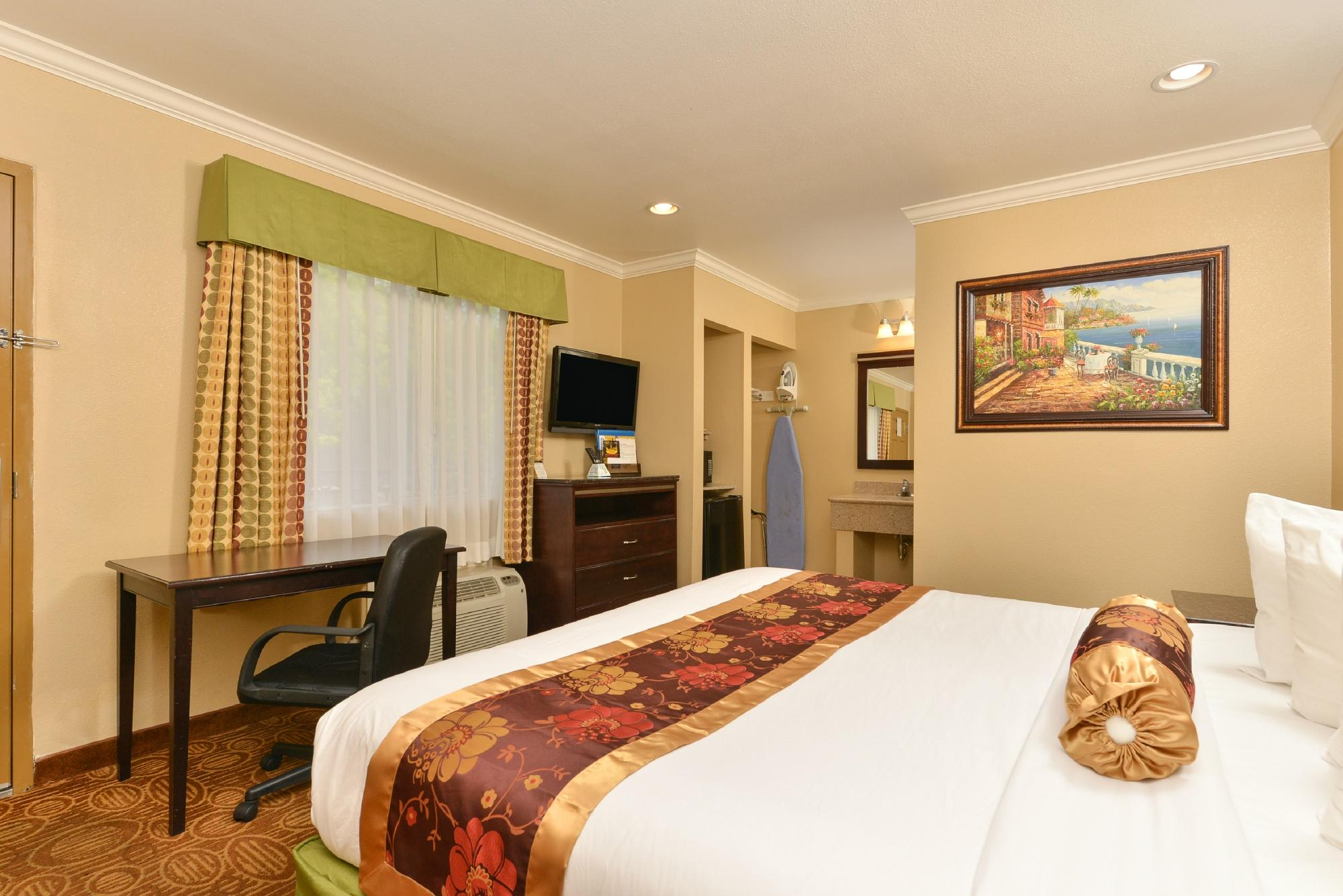 Rodeway Inn near Qualcomm Stadium