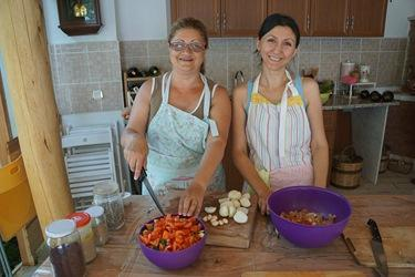 Experta Tours - Village Cooking Class