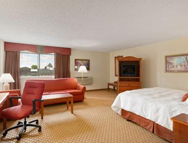 Baymont Inn & Suites Warren