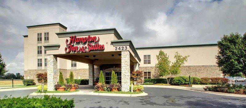 ‪Hampton Inn and Suites Chicago / Aurora‬