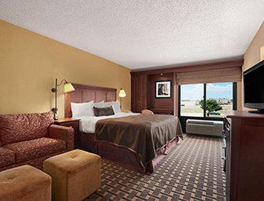 Baymont Inn And Suites - Lewisville