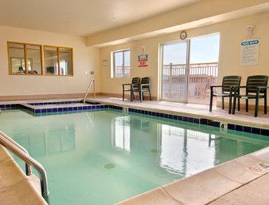 Days Inn & Suites - Castle Rock