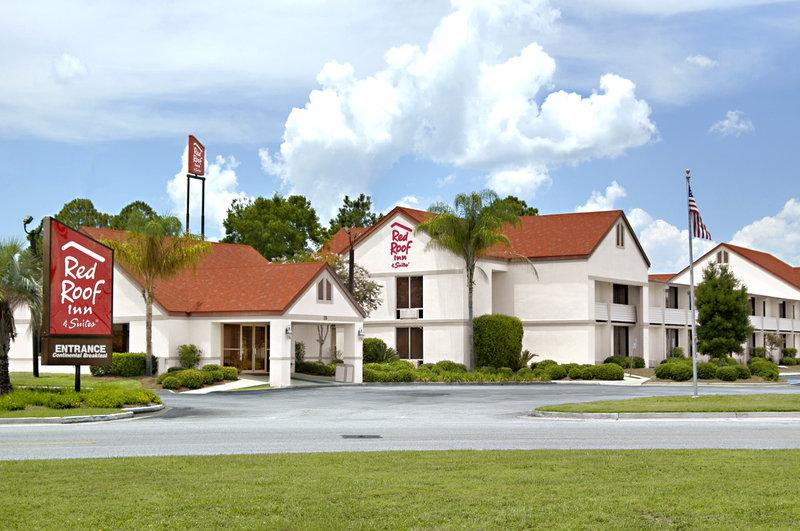 ‪Red Roof Inn & Suites Brunswick I-95‬