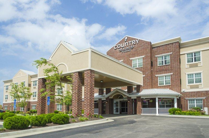 ‪Country Inn & Suites Kansas City at Village West‬