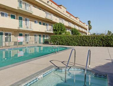 Travelodge Sylmar/Magic Mountain Area