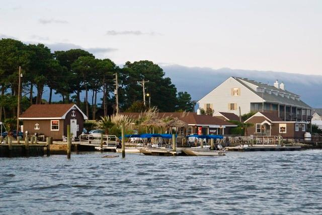 Snug Harbor Marina and Cottages