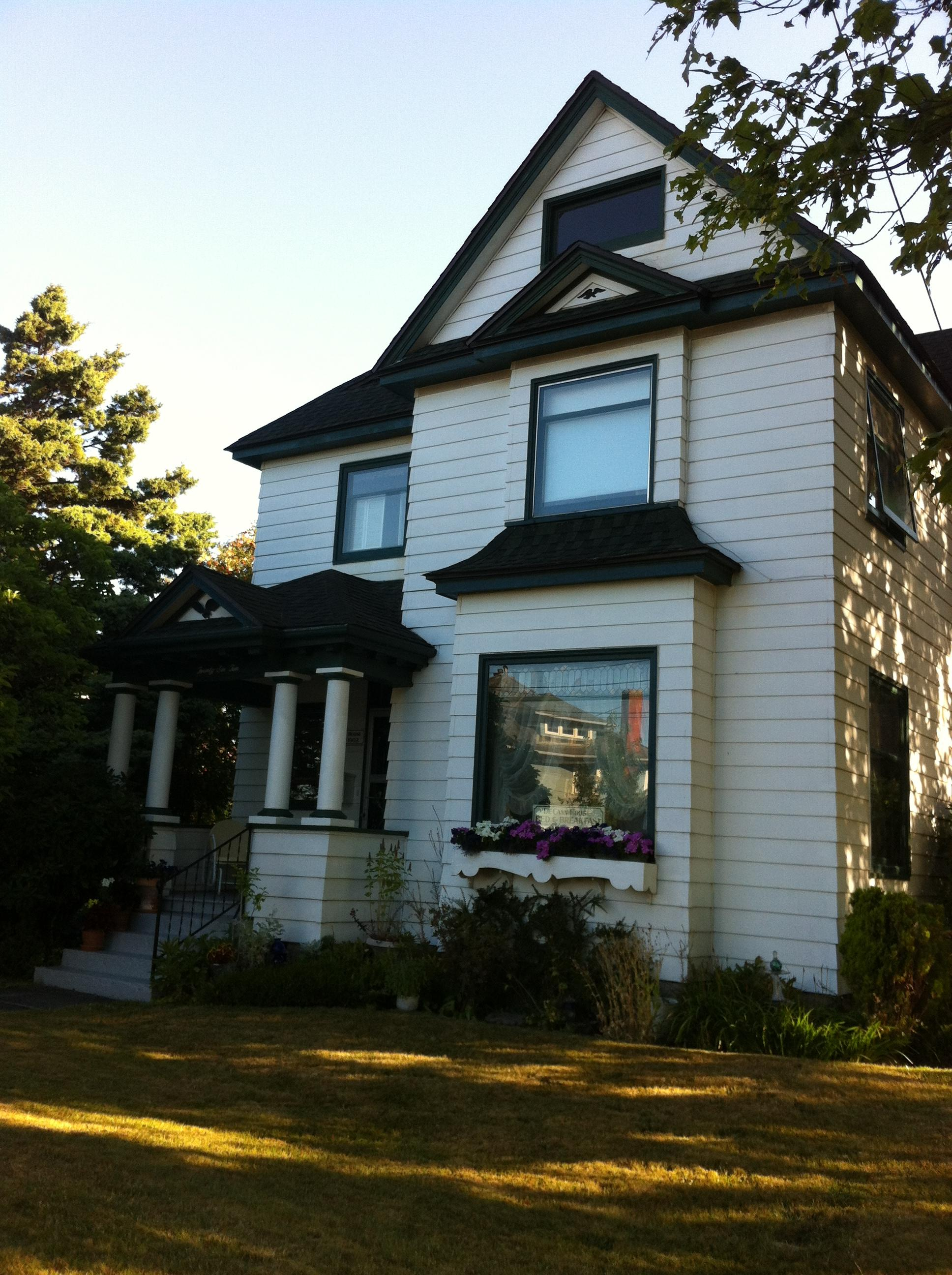 Bellingham's DeCann House Bed and Breakfast
