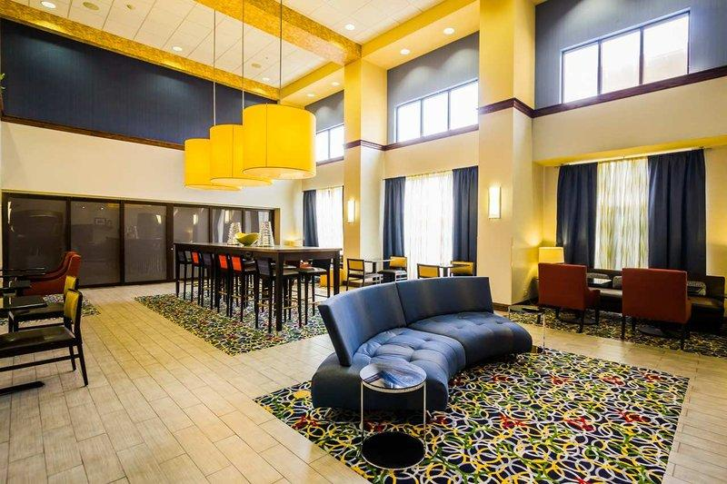 Hampton Inn & Suites Na