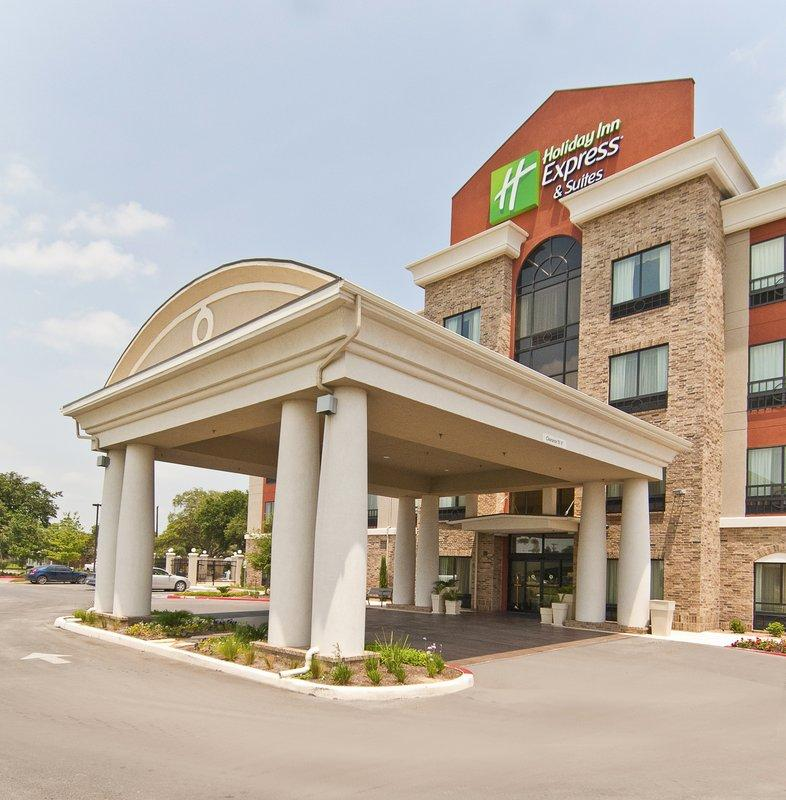 Holiday Inn Express Hotel and Suites San Antonio SE By AT&T Center
