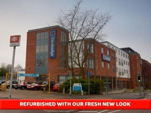 Travelodge Camberley Central