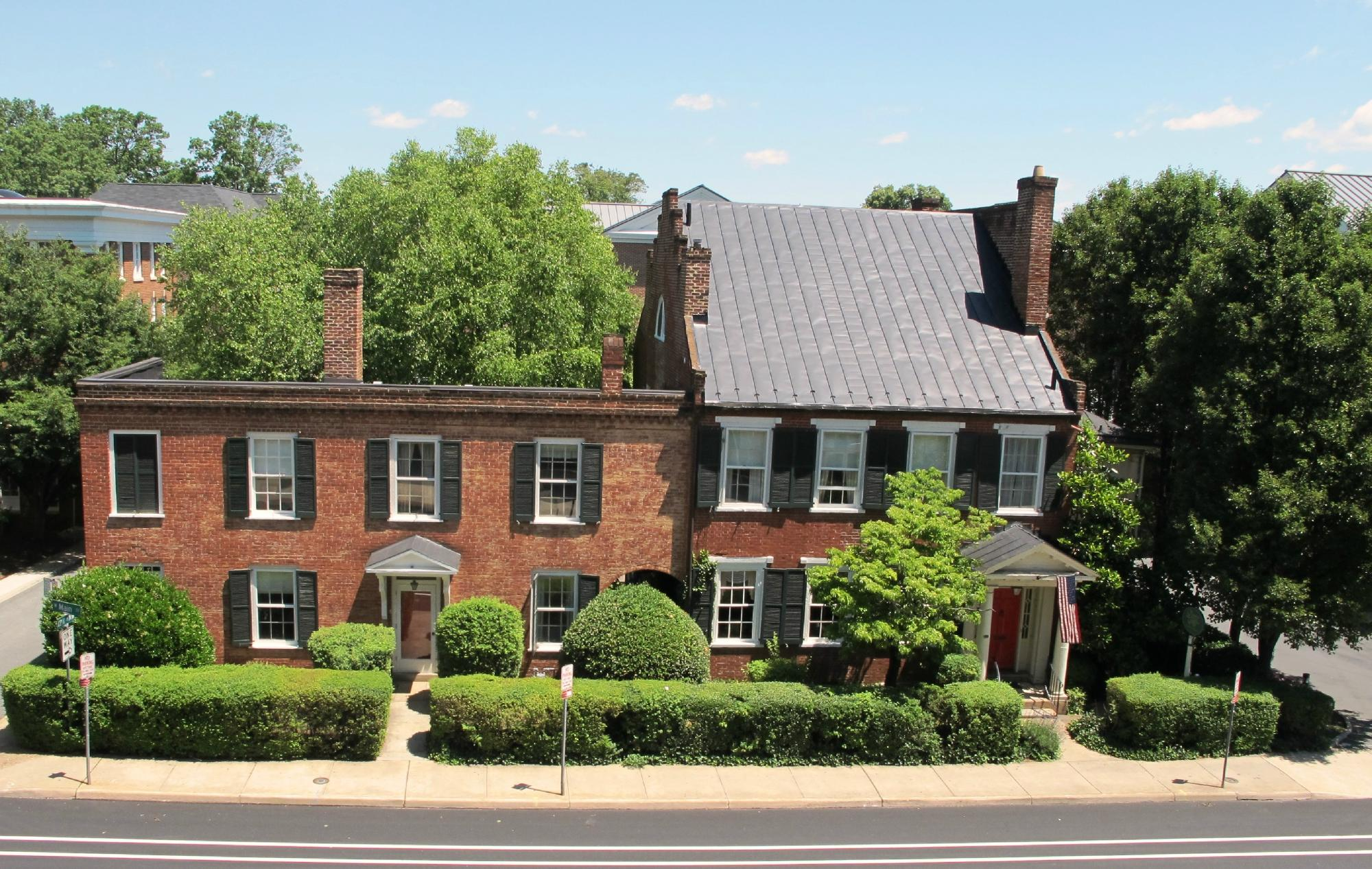 The Dinsmore House Bed & Breakfast