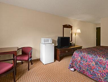 Days Inn And Suites Kaukauna WI