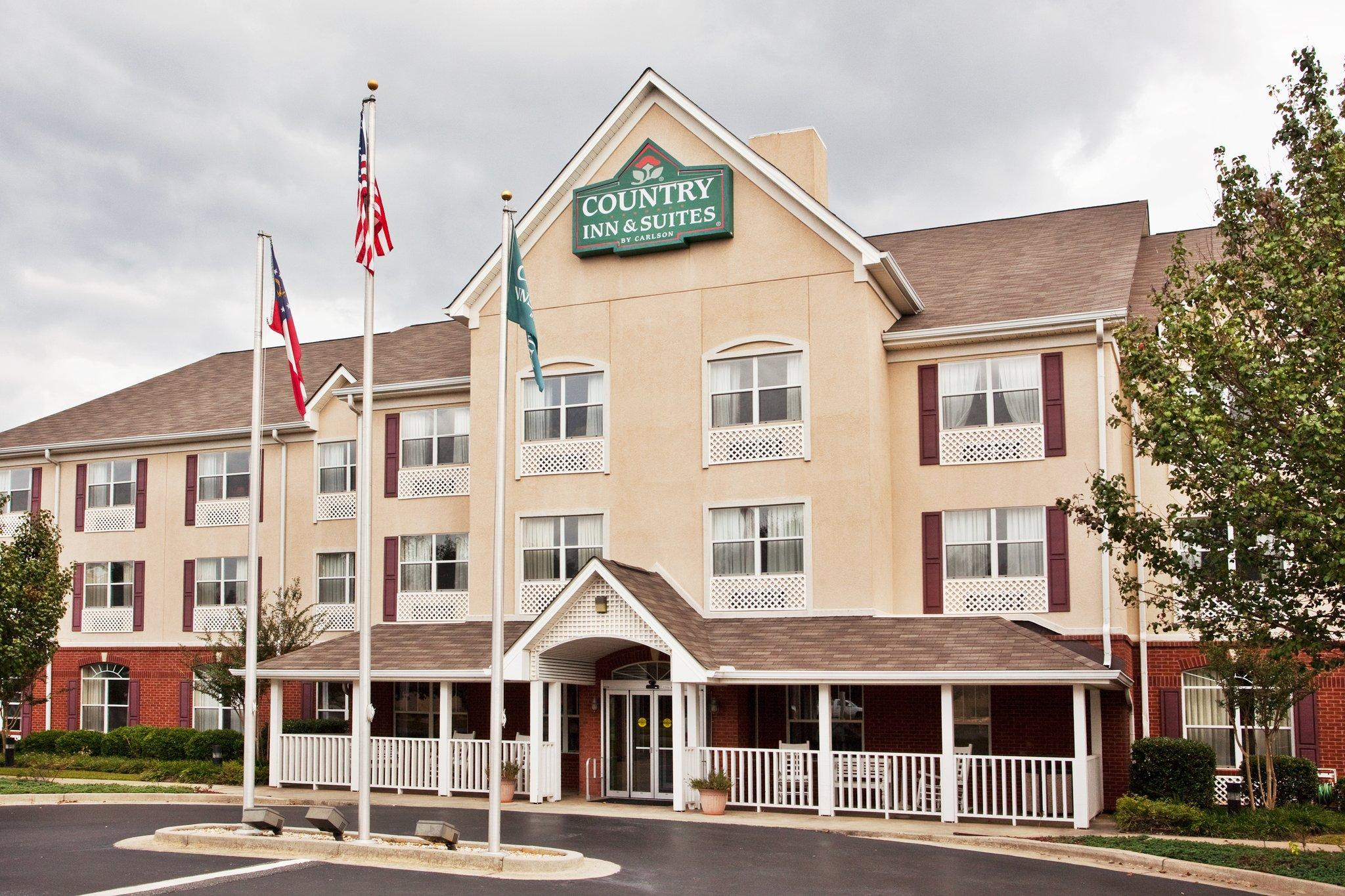 Country Inn & Suites By Carlson, War
