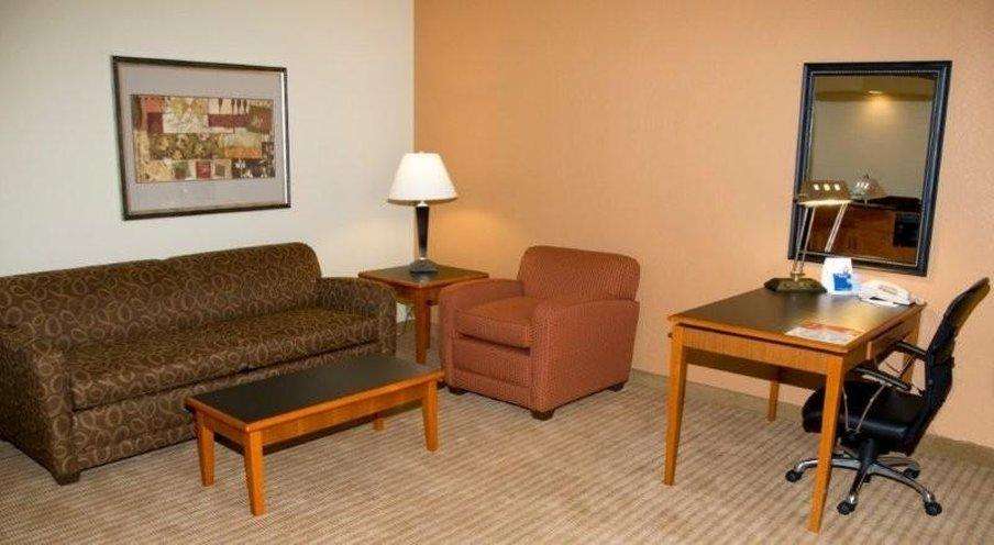 Holiday Inn Express Hotel & Suites-DFW North