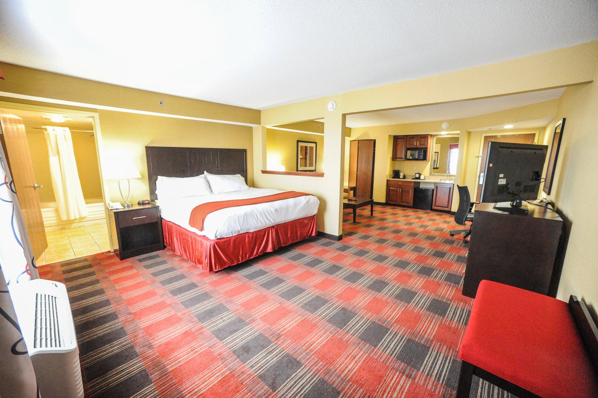 Holiday Inn Express & Suites Bowling Green