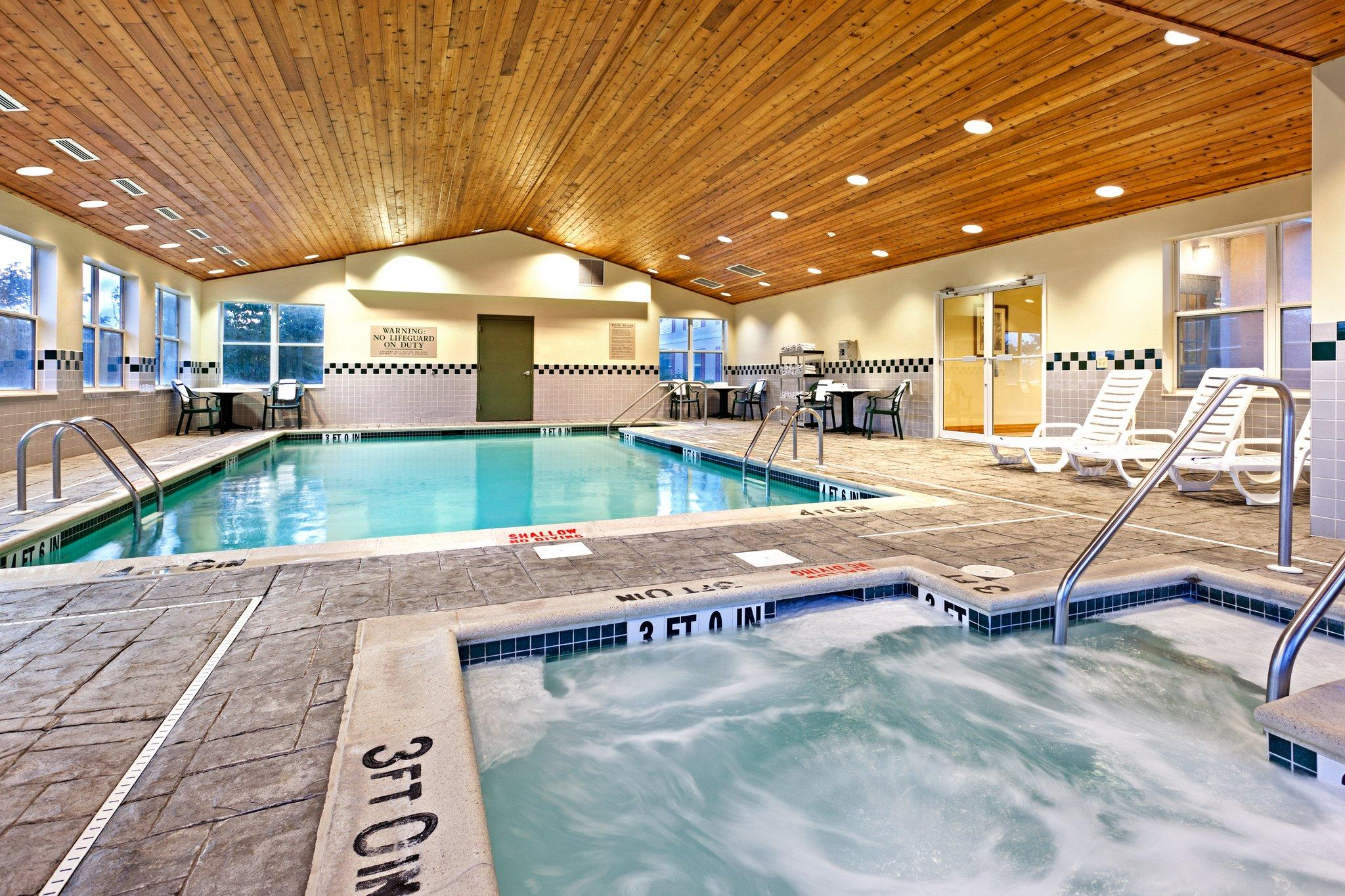 Country Inn & Suites By Carlson, Harrisburg Northeast (H