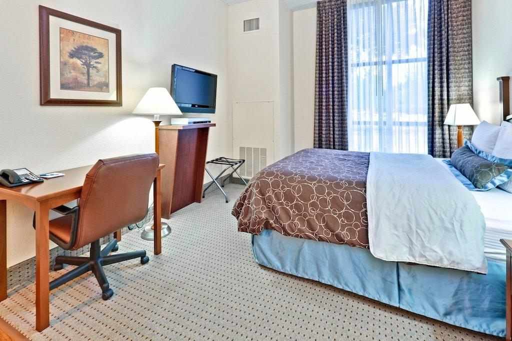 ‪Staybridge Suites Memphis - Poplar Ave East‬