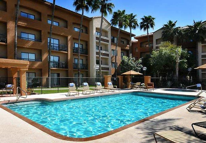 ‪Courtyard  by Marriott Phoenix Camelback‬