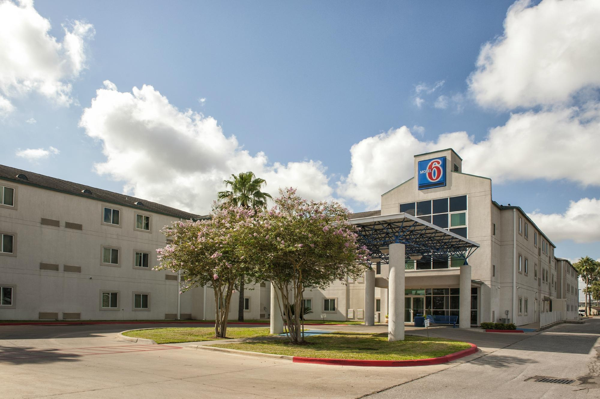 Motel 6 Brownsville