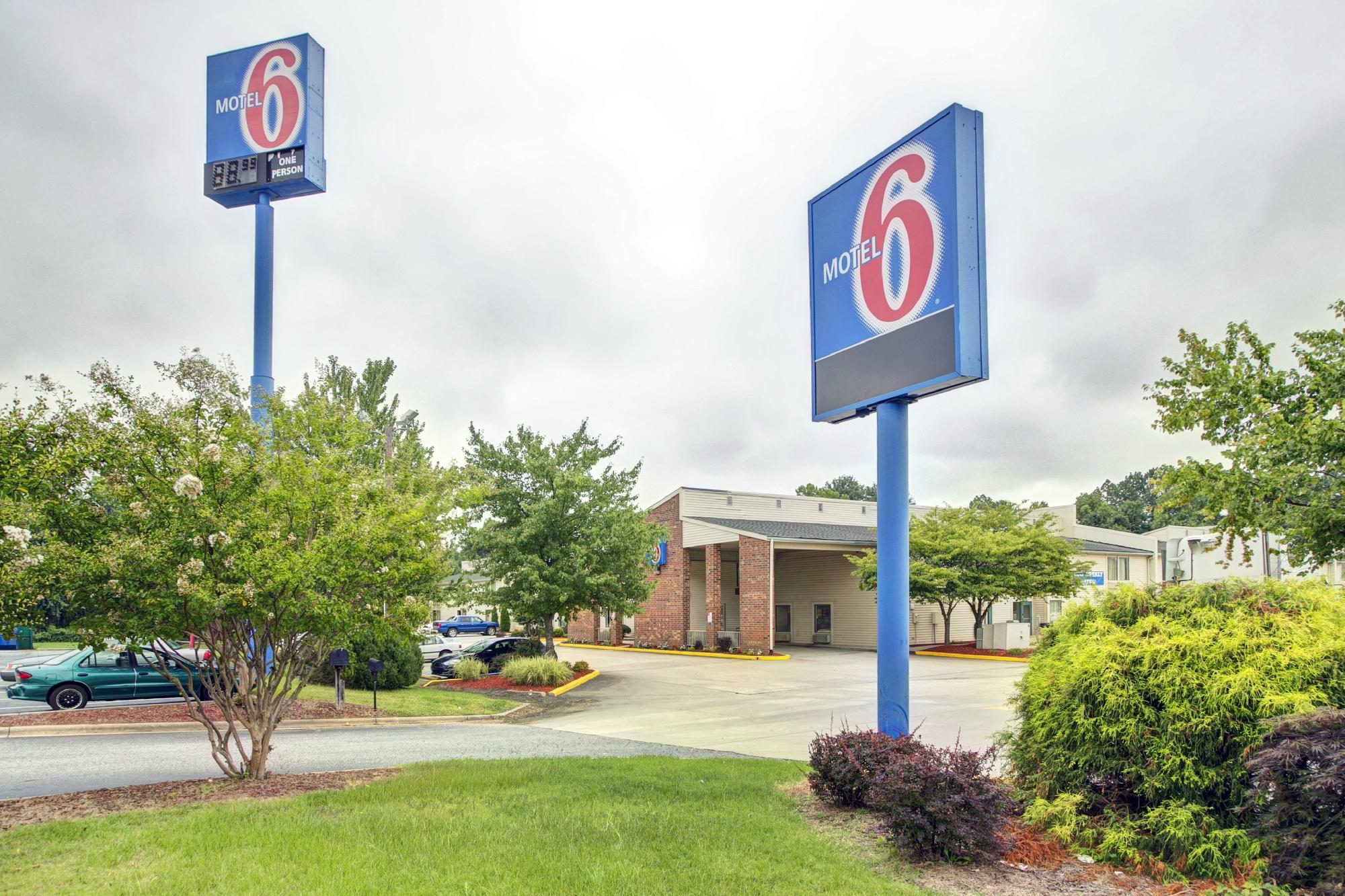 Motel 6 Greensboro - Airport