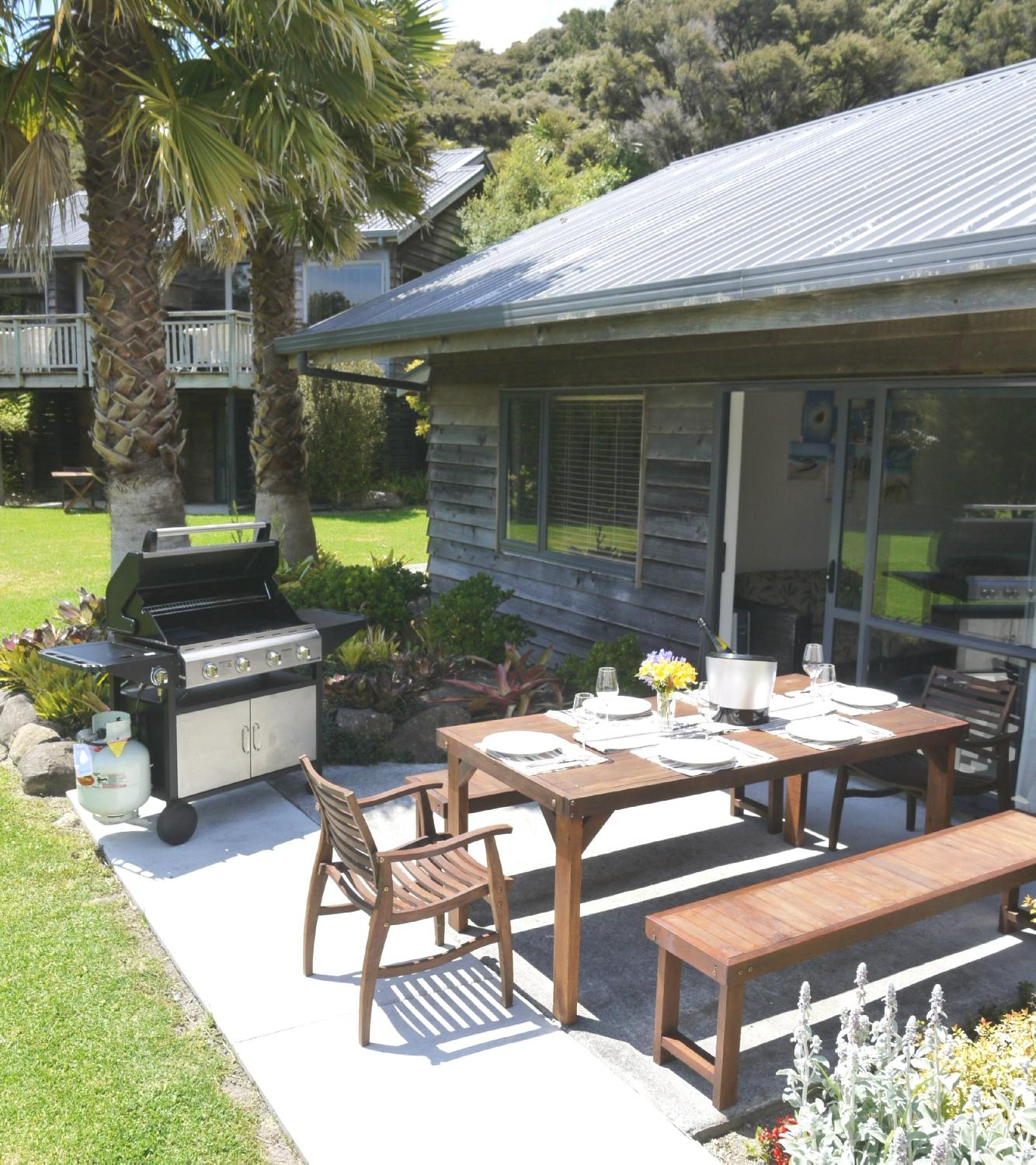 Bay of Islands Holiday Apartments and Campervan Park Ltd
