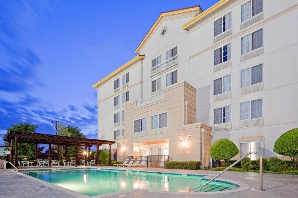 ‪La Quinta Inn & Suites DFW Airport South / Irving‬