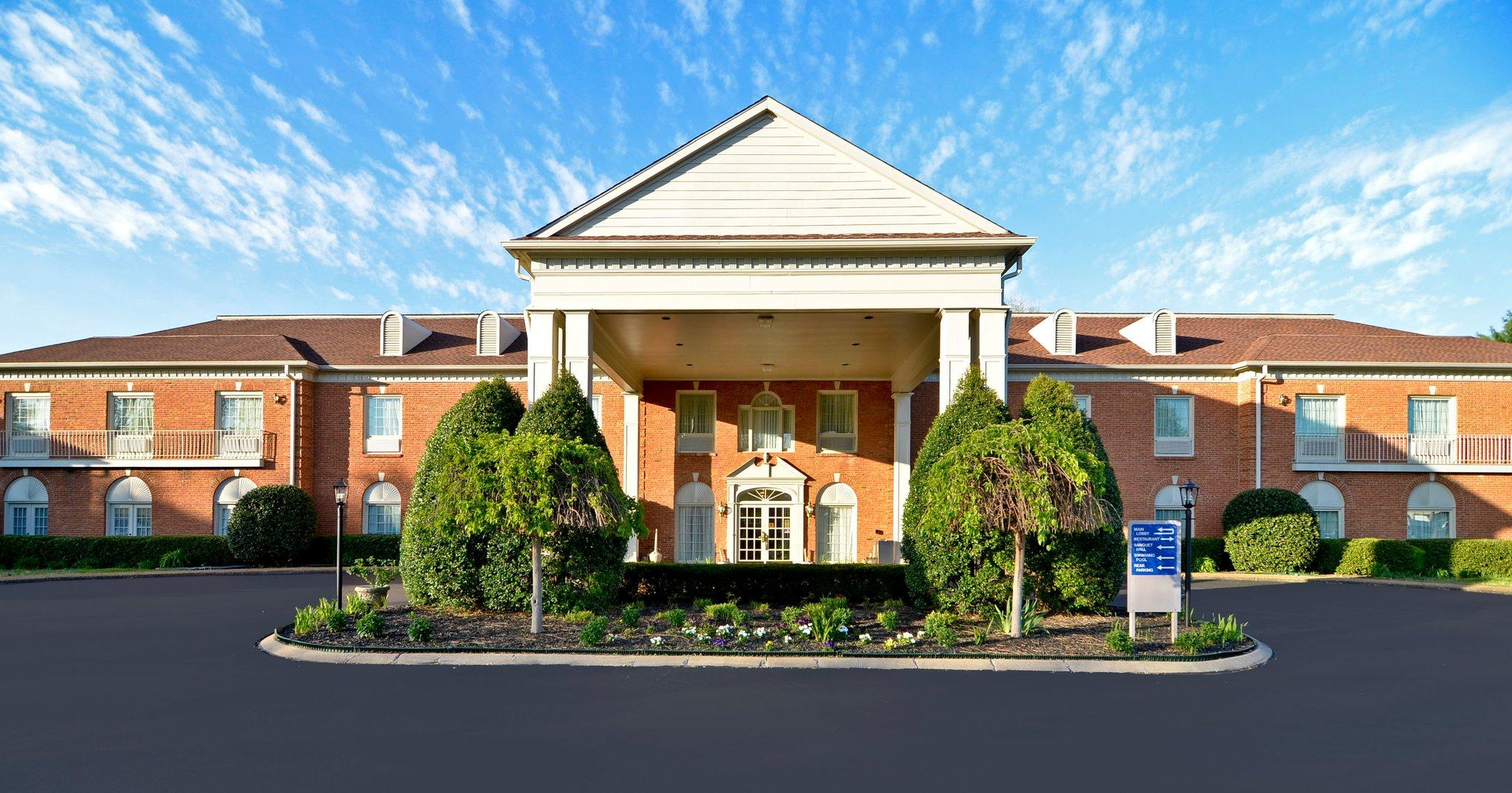 BEST WESTERN Spring Hill Inn & Suites
