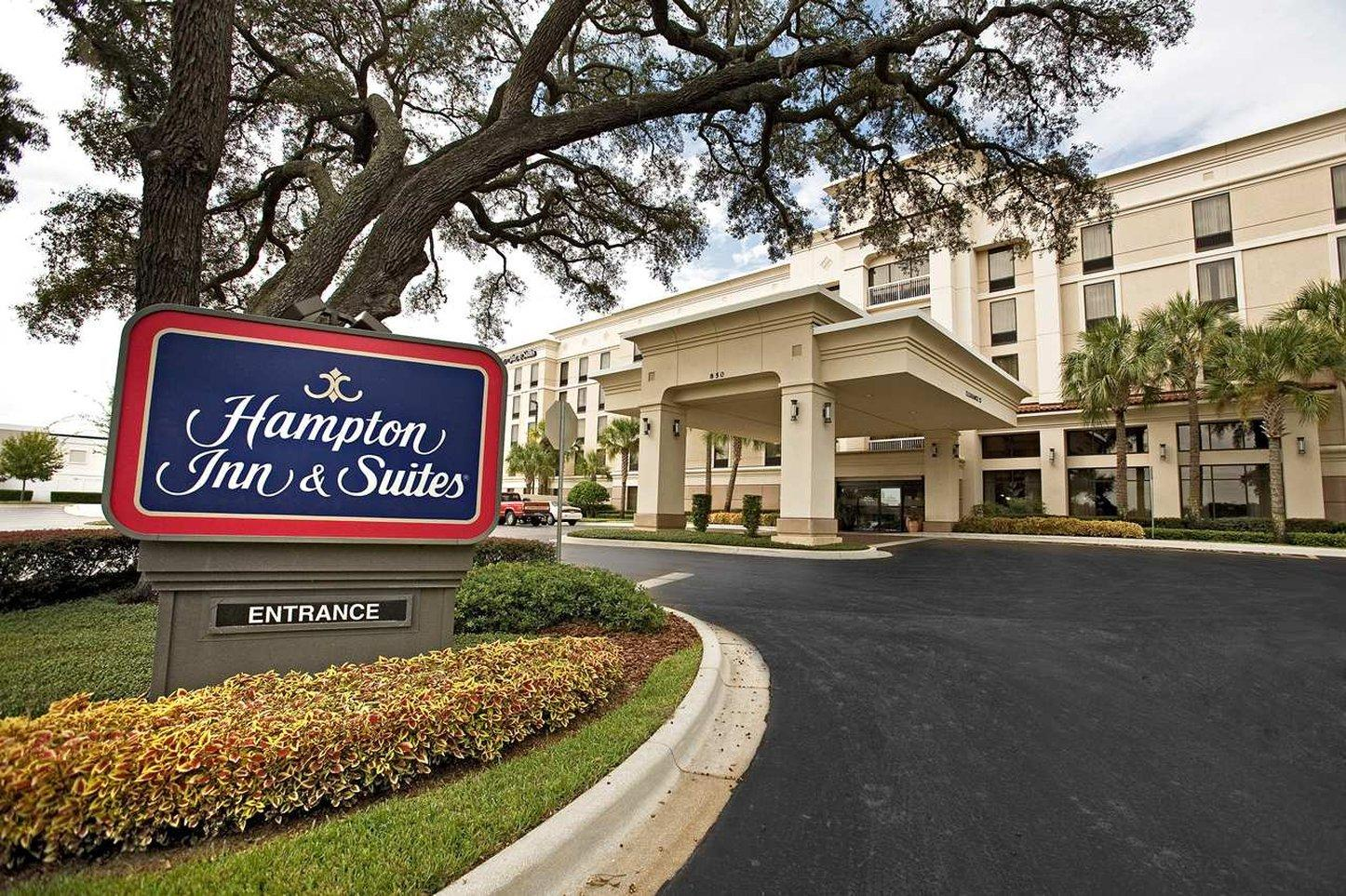 Hampton Inn & Suites Lake Mary at Colonial TownPark