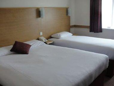 Days Inn Warwick North M40