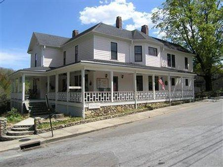 Herren House Bed & Breakfast and Restaurant