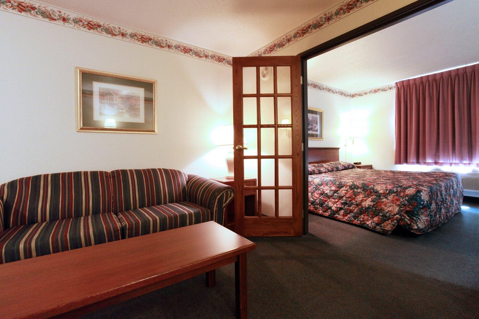 Americas Best Value Inn & Suites Northfield