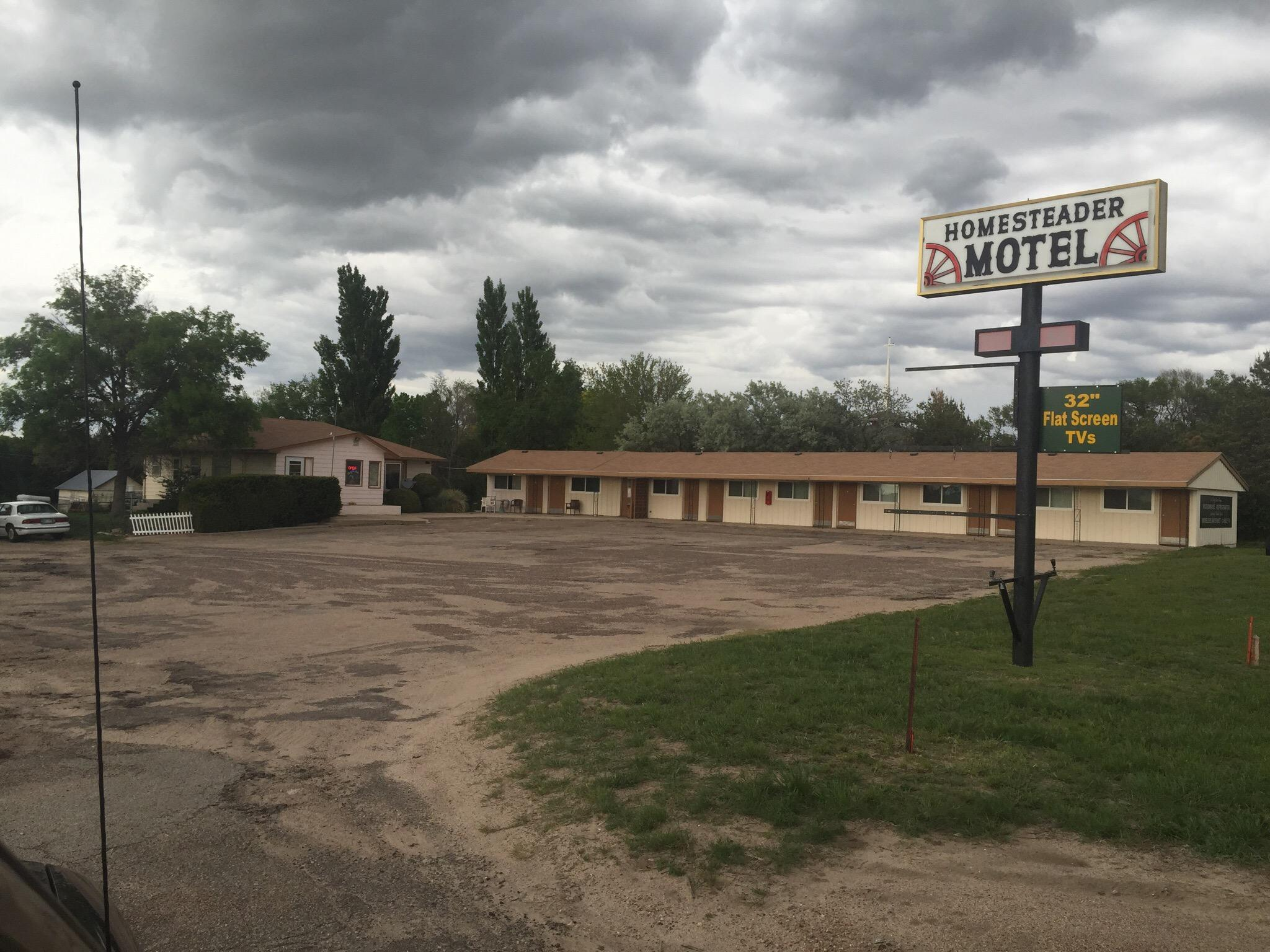 Homesteader Motel