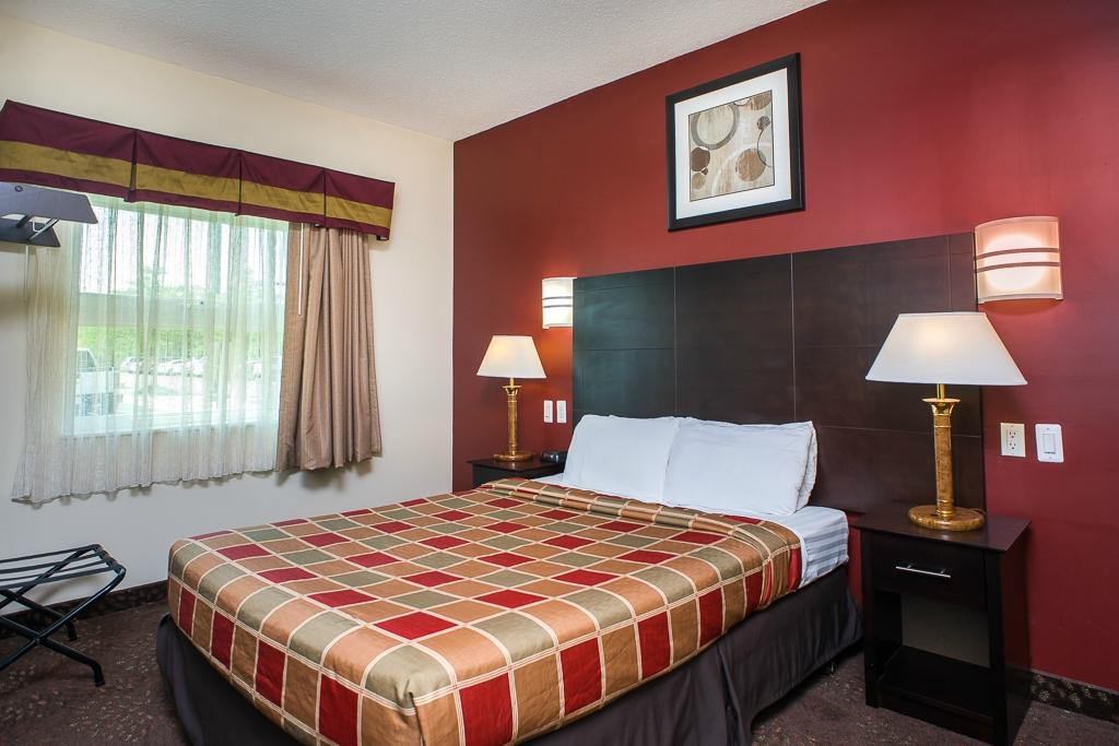 Red Lion Inn & Suites-Detroit Metro Airport