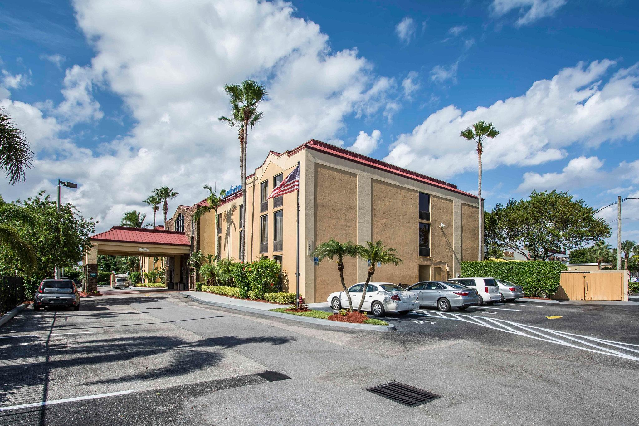 Comfort Inn & Suites Lantana - West Palm Beach South