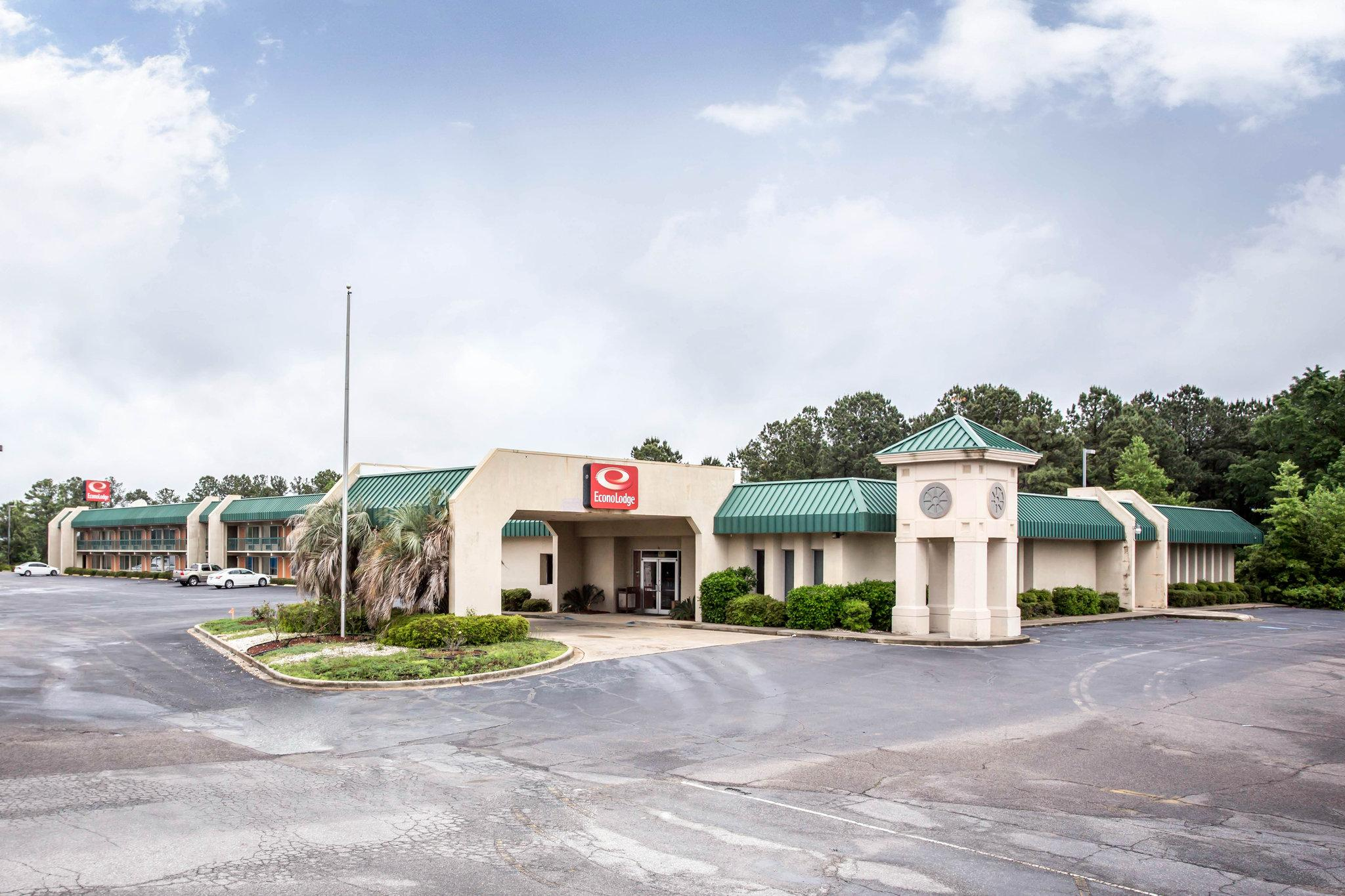 Econo Lodge & Conference Center