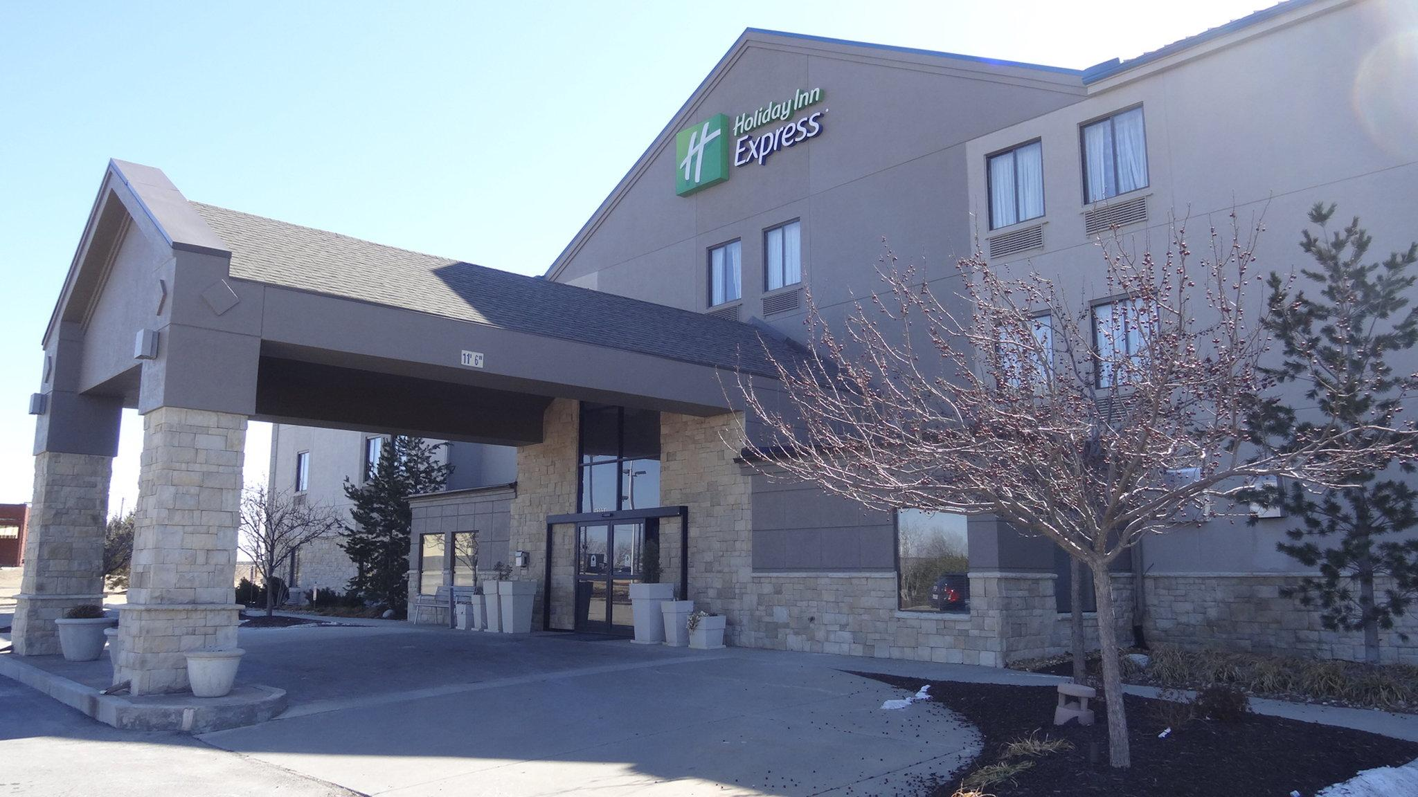 Holiday Inn Express Bonner Springs