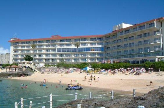 'Miyuki Beach Hotel' from the web at 'http://media-cdn.tripadvisor.com/media/photo-o/08/3a/a7/eb/exterior.jpg'