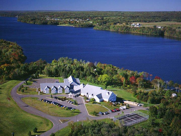 Riverside Resort & Conference Center